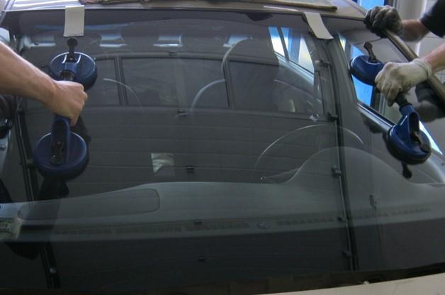 Pilkington autóüveg az eminensek beszállítója